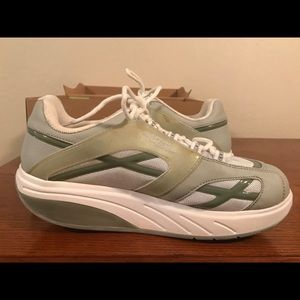 MBT walking shoe size 9.5